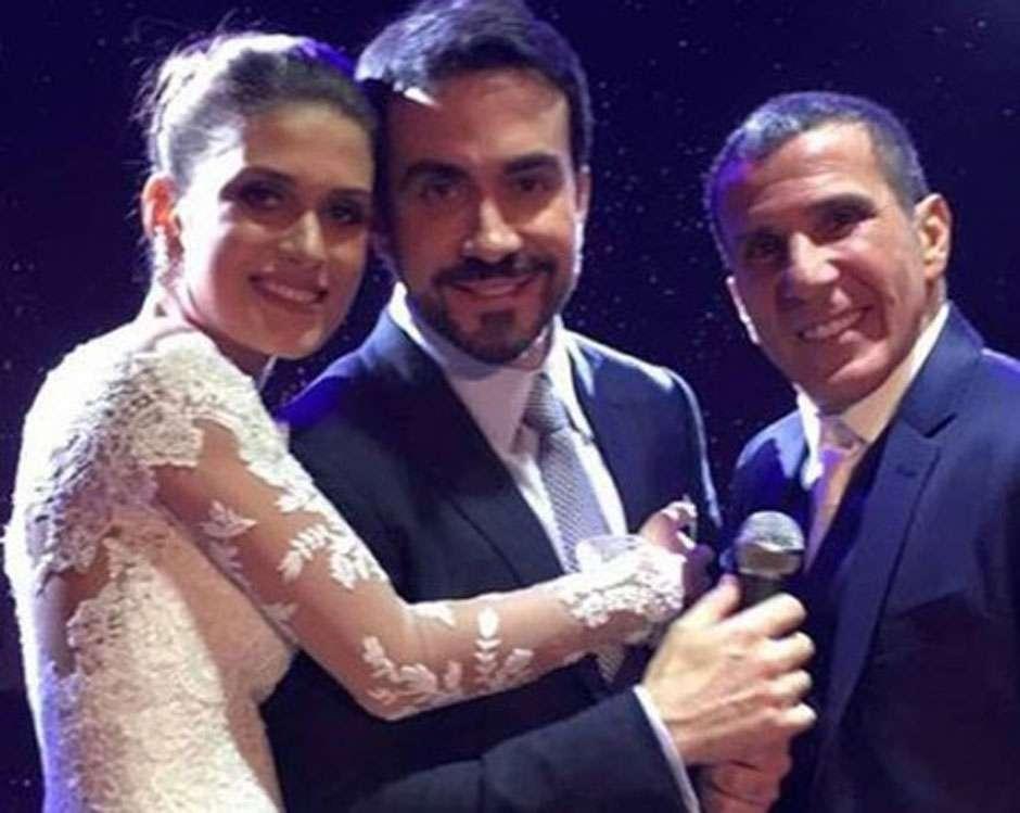 Padre Fábio de Melo rouba a cena no casamento de Eri Johnson e vira o campeão de selfies