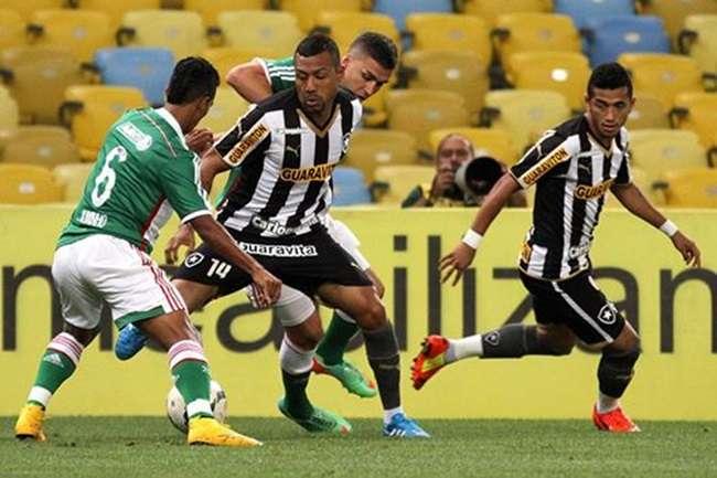 Palmeiras vence, respira e afunda o Botafogo na lanterna