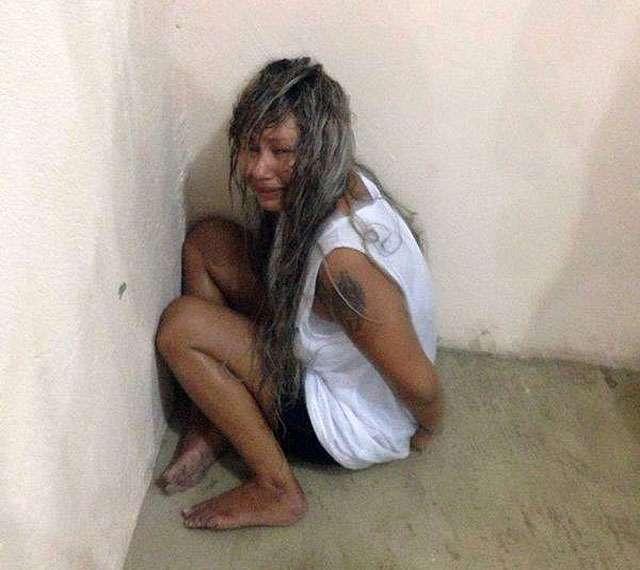 Presa que filmou execução de vítima faz motim e tenta matar agente em Manaus