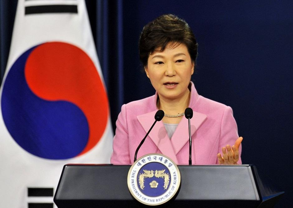 Parlamento sul-coreano aprova processo de impeachment da presidente