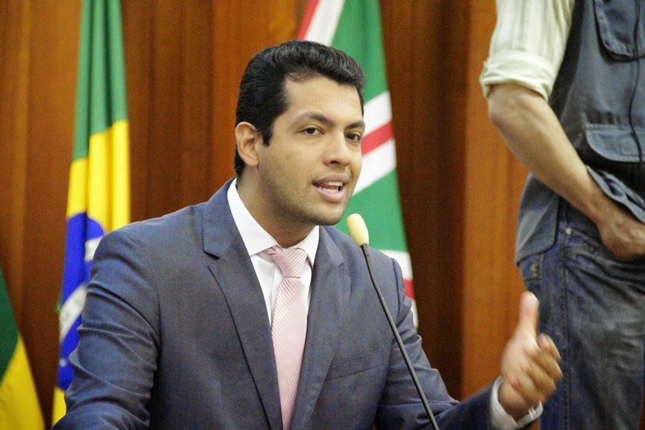 Thiago Albernaz apresenta projeto para criar conselho de defesa dos animais