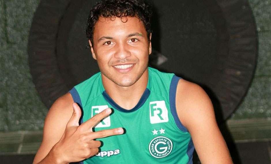 Fred rescinde contrato com o Goiás