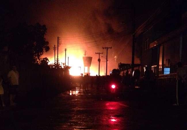 Incêndio destrói depósito de eletrodomésticos em Anápolis
