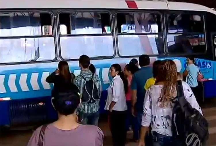 Passagem de ônibus vai aumentar para R$ 3,30 a partir de segunda-feira