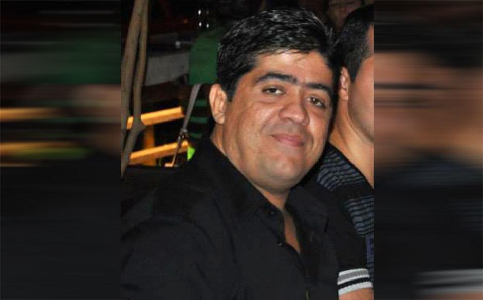 Empresário é executado a tiros dentro de carro em rua de Goiânia