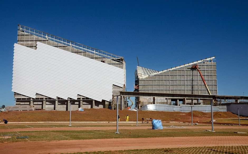 Governo de Goiás retomará construção do Centro de Convenções de Anápolis