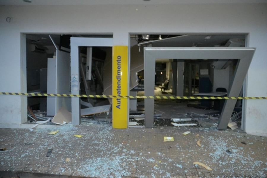 Caixas eletrônicos de banco em Vianópolis são explodidos