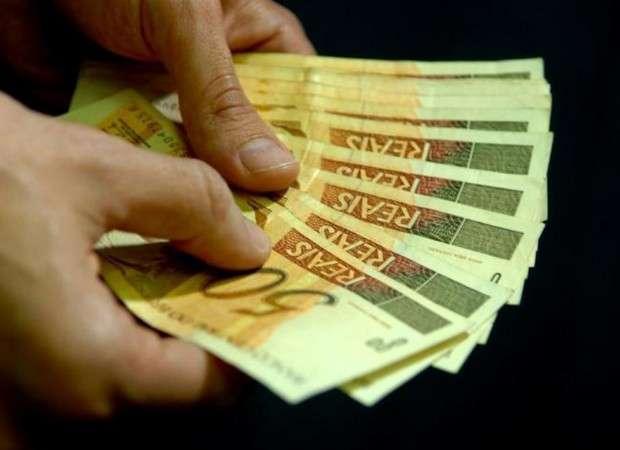 Após boatos, Governo de Goiás informa que pagamento de servidores permanece inalterado