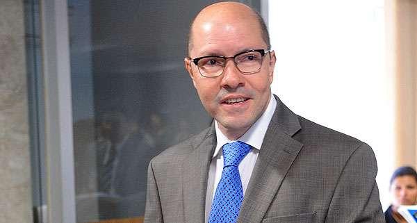 STF suspende afastamento de Demóstenes Torres do MP-GO