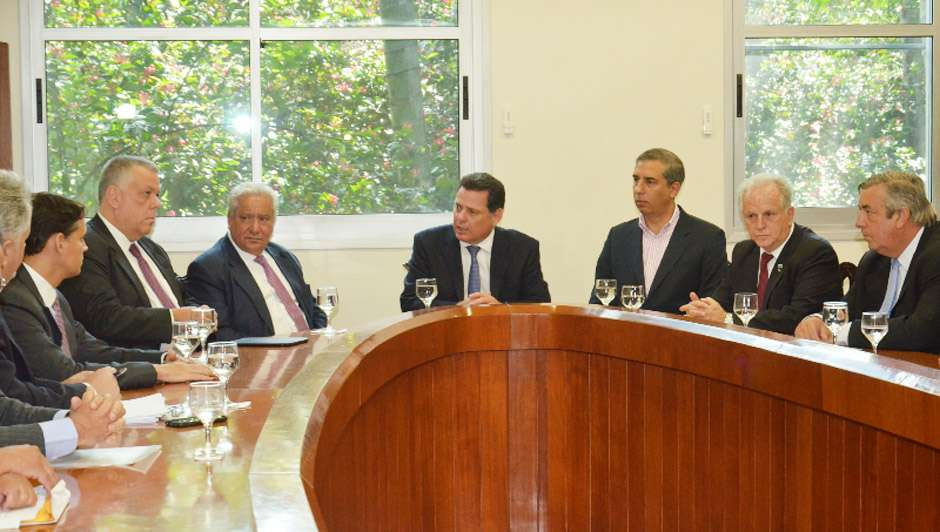 Ações amenizam demissões em Niquelândia
