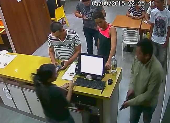 Bandidos assaltam rede de lanchonete no Jardim da Luz