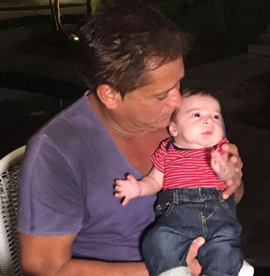 Leonardo tem o primeiro encontro com o neto Noah