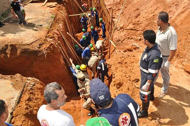 Morre um dos trabalhadores soterrados em obra da Saneago em Iporá