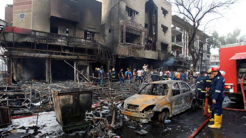 Estado Islâmico mata ao menos 12 com explosão de carro em Bagdá