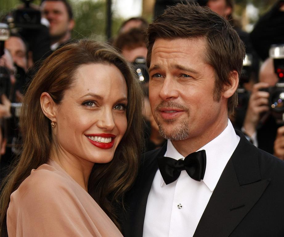 Angelina Jolie pede o divórcio de Brad Pitt