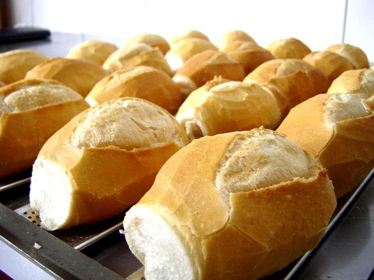 Preço do pão francês pode aumentar mais 12% em Goiânia, diz sindicato