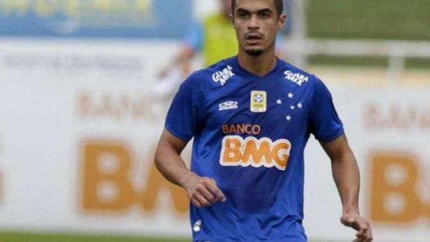 Egídio volta a treinar e pode ser novidade do Cruzeiro