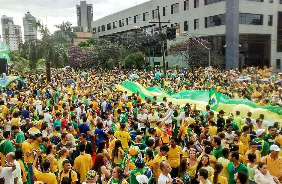 Em Goiânia, manifestação contra Dilma reuniu 60 mil pessoas, diz PM