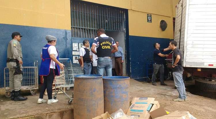 Polícia prende sete pessoas com carga roubada da Friboi