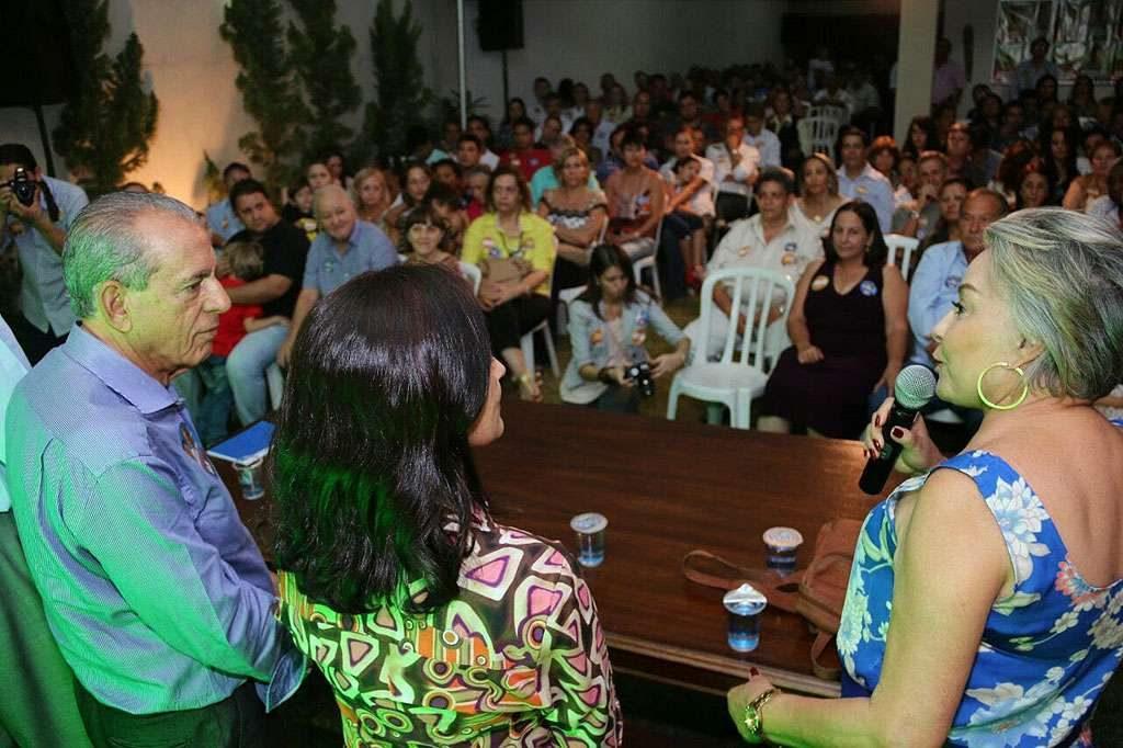 Iris recebe apoio de moradores do Setor Sol Nascente