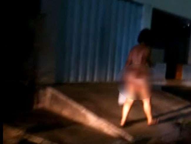 Mulher é flagrada andando nua pelas ruas da cidade de Caiapônia (GO)