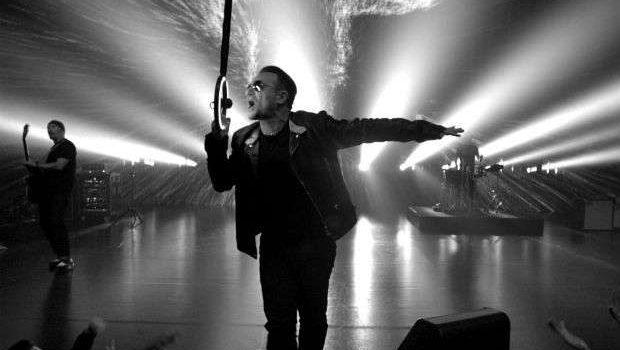 De surpresa, U2 lança disco para meio bilhão de pessoas