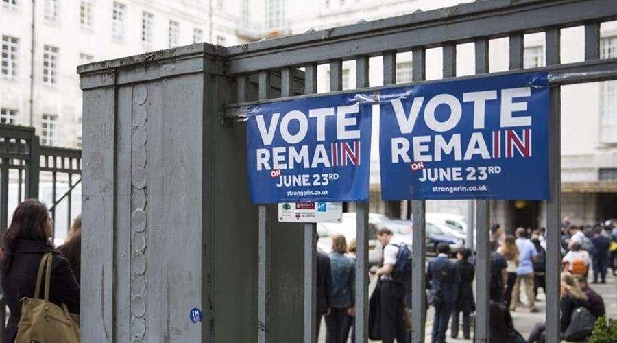 Mais de 1,3 milhão de britânicos pedem novo referendo sobre UE