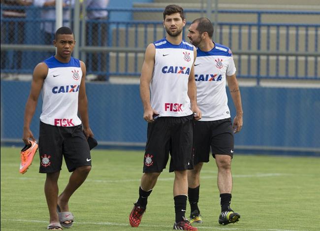 Animado, Corinthians pega lanterna Botafogo em Manaus