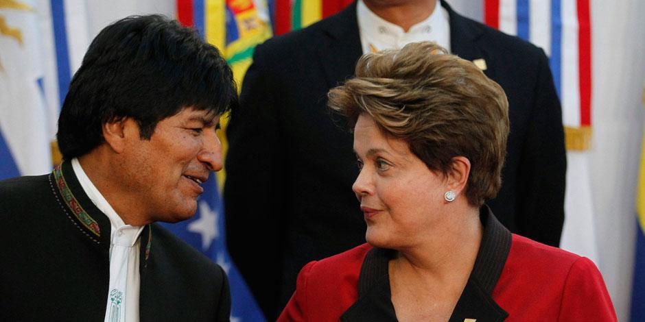Presidente da Bolívia diz que vai retirar embaixador no Brasil se impeachment for aprovado