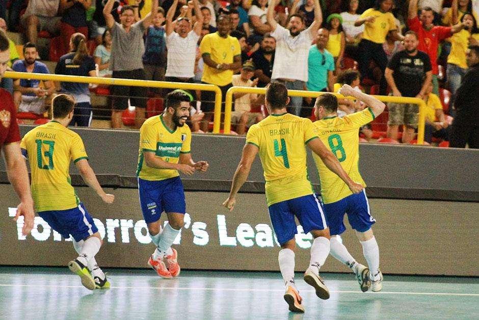 Com gols de Johhny, Seleção Brasileira bate Rússia e conquista o Mundial de Futsal, em Goiânia