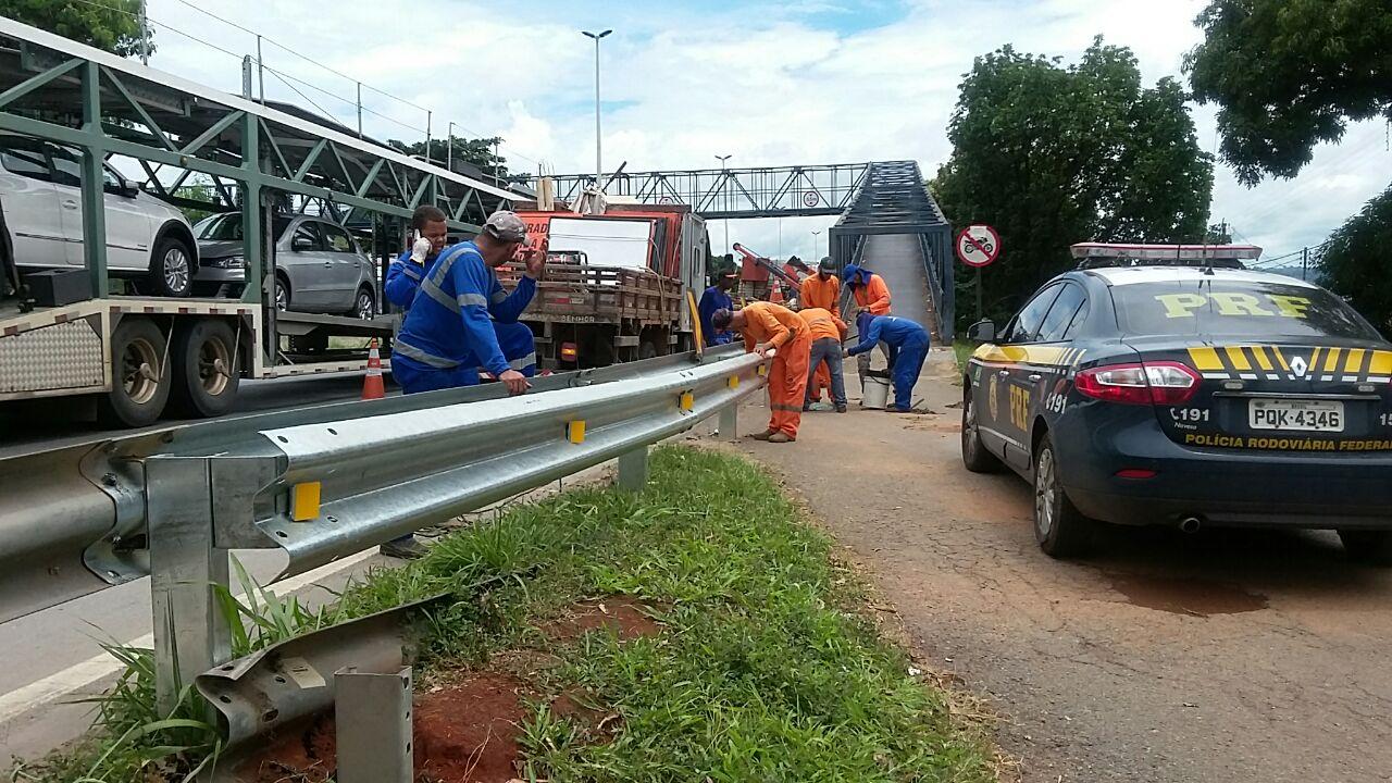 Focos de acidentes, acessos da BR-153 no bairro Vila Romana, em Goiânia, são fechados
