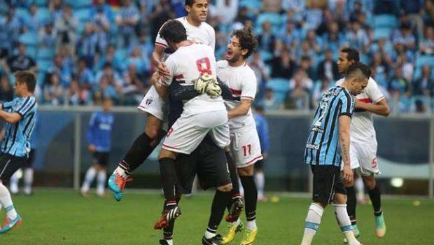 Ceni impede recorde de Grohe e São Paulo bate Grêmio