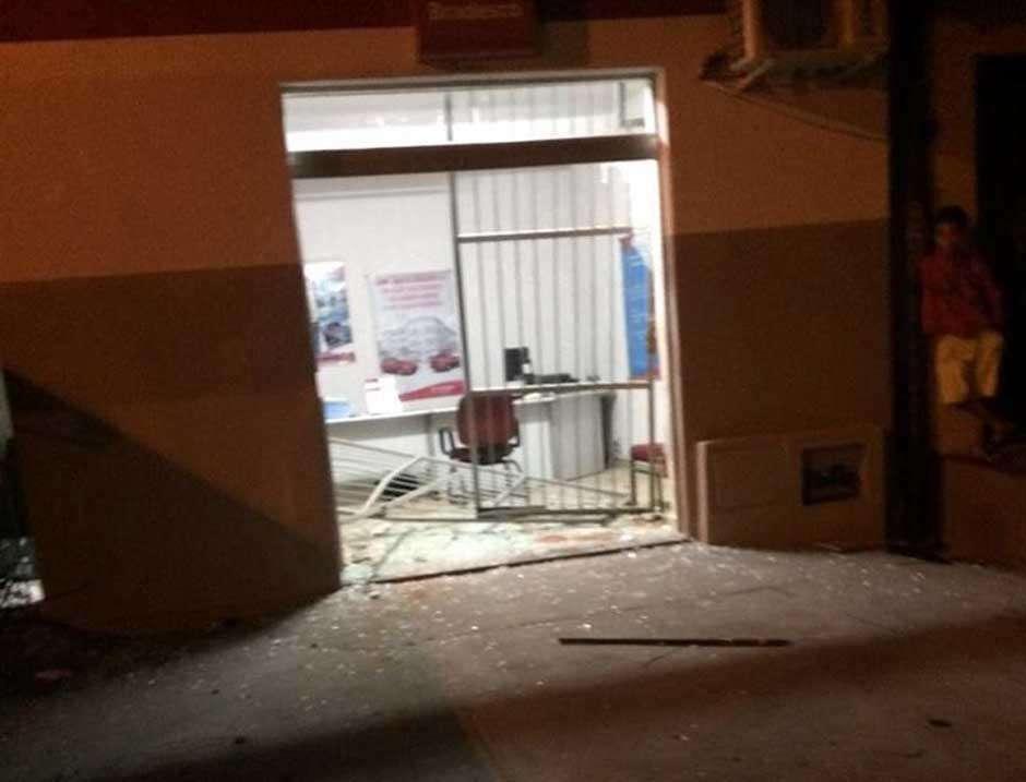 Bandidos explodem caixa eletrônico na cidade de Americano do Brasil