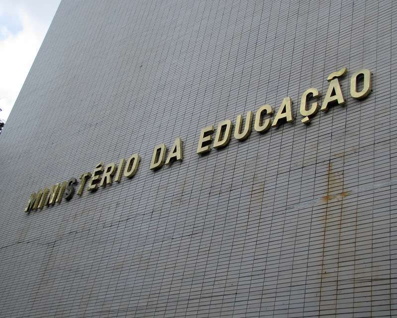 Entidades educacionais pedem que MEC não seja usado como moeda de troca