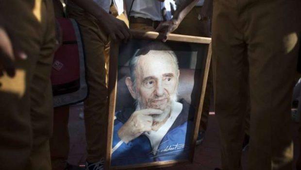 Rumores sobre morte de Fidel correm a internet, mas governo não comenta