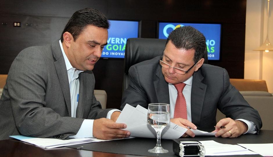 Marconi e prefeitos eleitos discutem investimentos em infraestrutura urbana