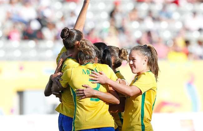 Brasil faz 4 no México e vai à final do futebol feminino