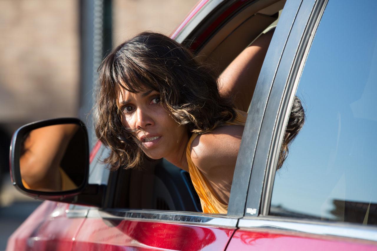 Halle Berry está furiosa em trailer de Kidnap
