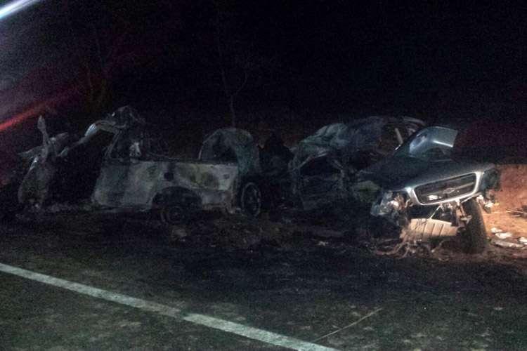 Acidente envolvendo dois veículos deixa sete pessoas mortas na BR-070