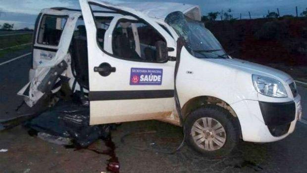 Acidente com ambulância da Prefeitura de Caldas Novas deixa um morto e cinco feridos