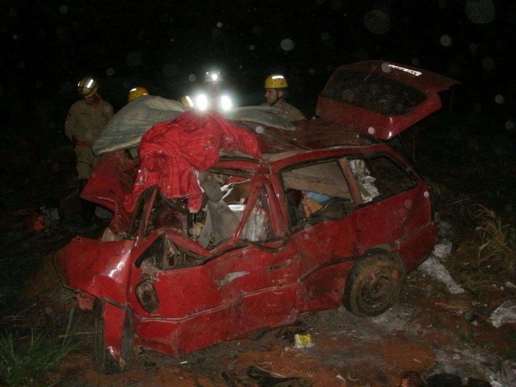 Cinco pessoas, sendo 4 da mesma família, morrem em grave acidente na BR-153, próximo a Rialma