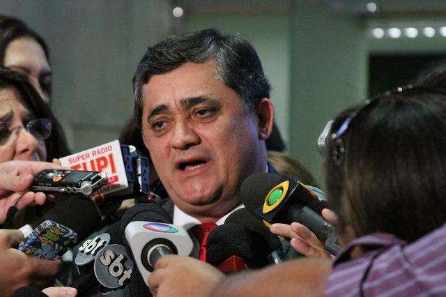 Vice-presidente do PT pede 'enfrentamento' com Marina