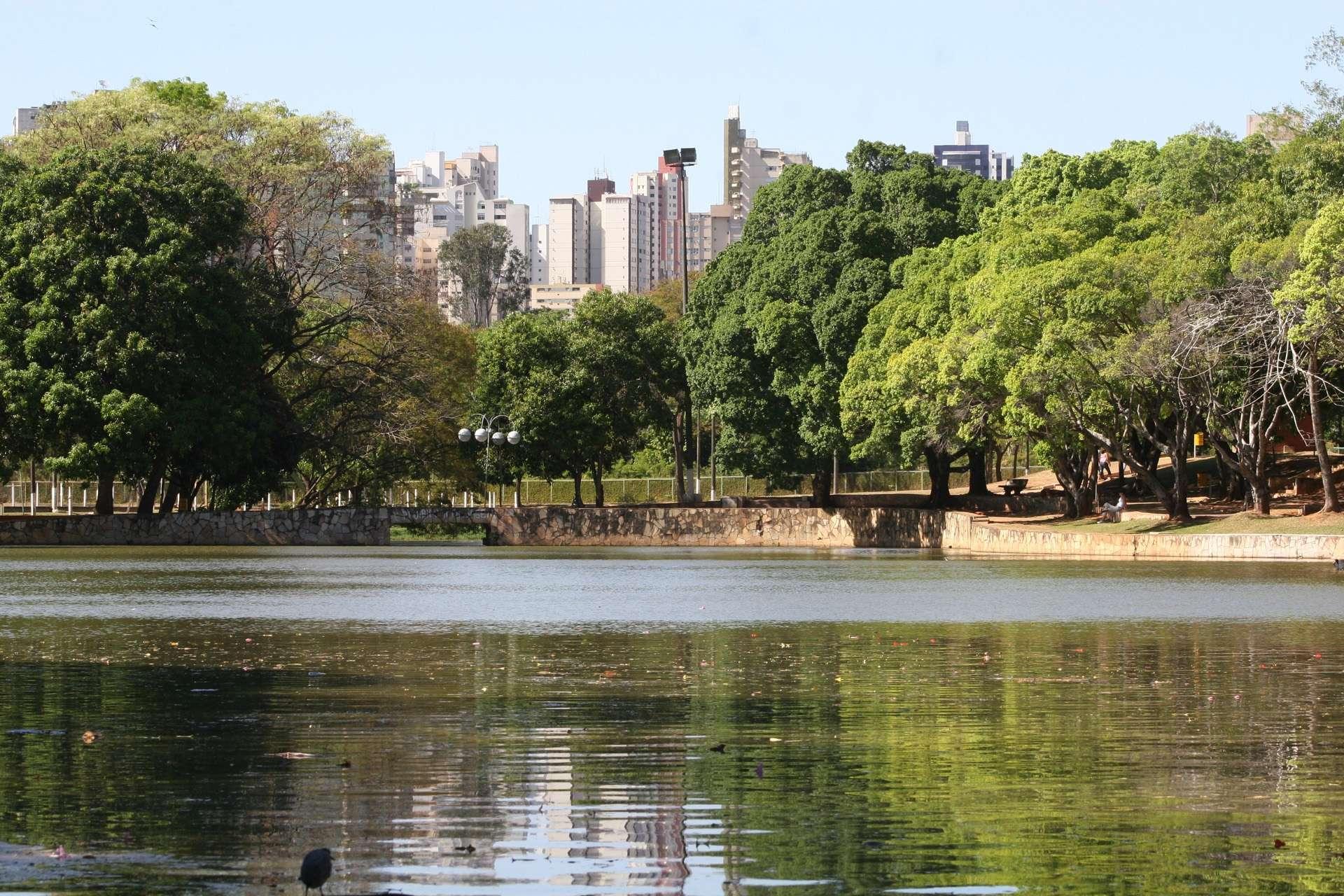 Prefeitura de Goiânia é proibida de despejar esgoto do zoológico em córrego