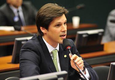 """""""Não acredito que o fim do governo seja o impeachment"""", diz o deputado Daniel Vilela"""