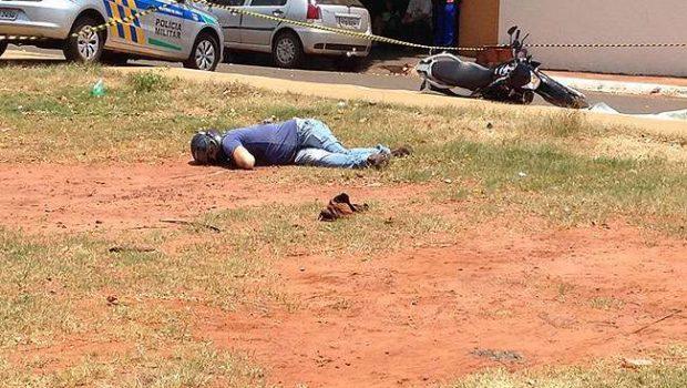 Homem é morto a tiros no meio da rua em Caçu