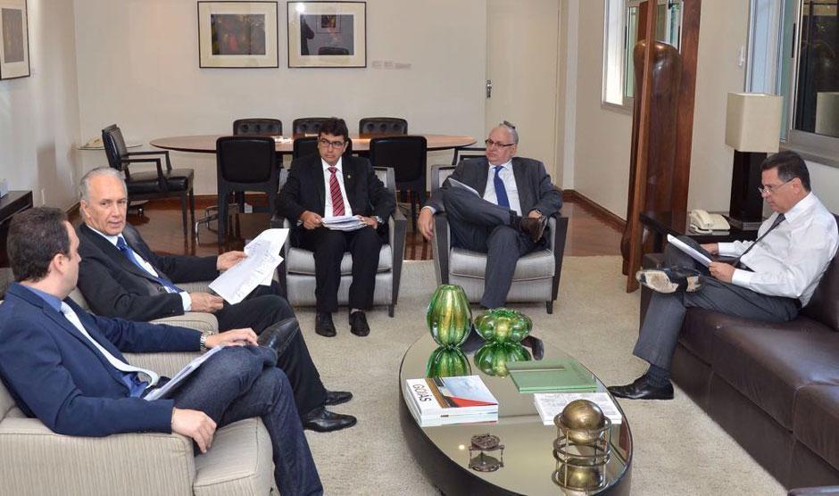 Governador autoriza projeto de energia sustentável da Agehab