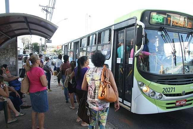 Ônibus terão desvios temporários para desfile do aniversário de Goiânia