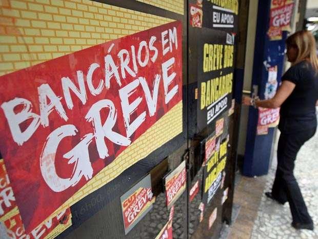 Procon orienta pagamento de contas com greve nos bancos