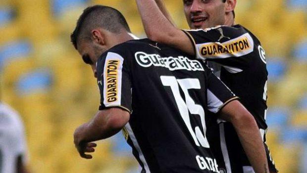Botafogo bate o Santos em dia de homenagens a Aranha
