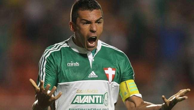 Palmeiras vence após 10 rodadas e deixa zona da degola